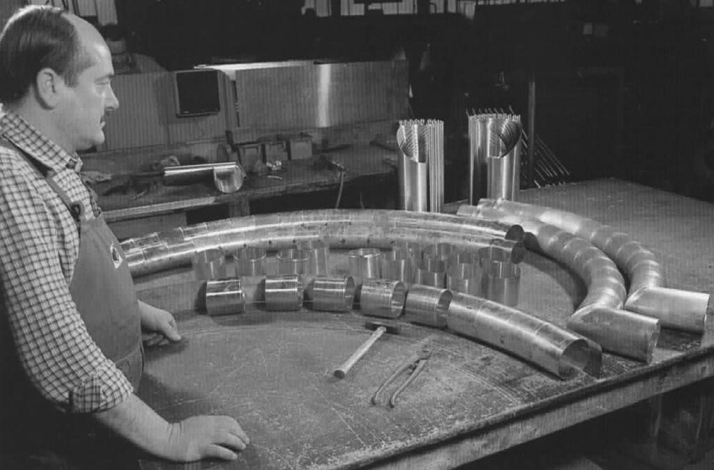 1962 Aufnahme der eigenen Produktion von Dachentwässerungartikeln.